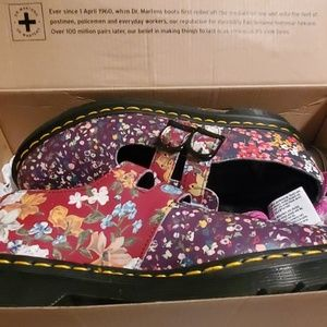 Dr Martens mary jane still floral size 9 like new